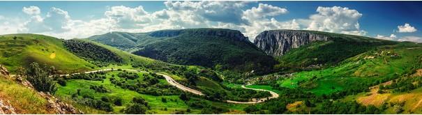 Скинали 'Между зеленых холмов'